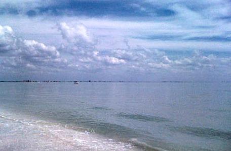 sanibel lighthouse beach