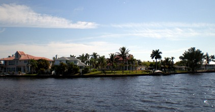 vacation homes cape coral