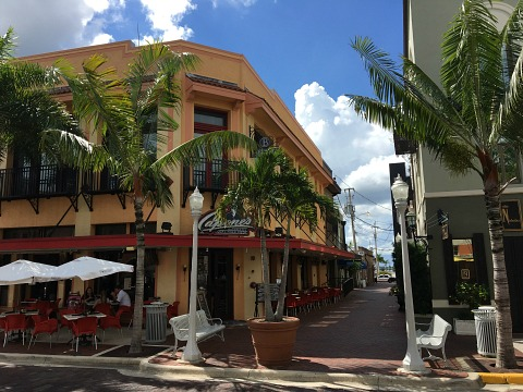 capones fort myers