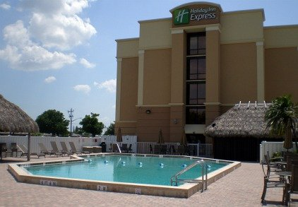 holiday inn cape coral